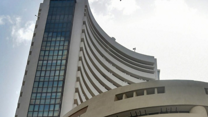 M-cap of seven of top-10 most-valued companies jumps a whopping over Rs 1.62 lakh cr