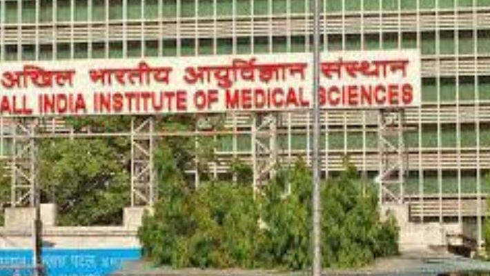 AIIMS Nurses' Union protest over working condition; 329 workers contracted COVID-19 so far