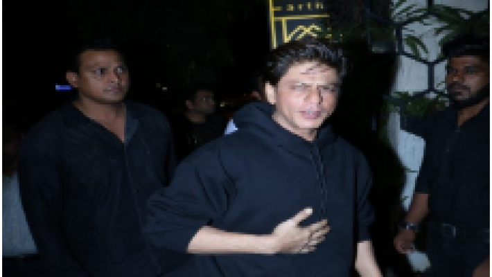 Cops halt Shah Rukh's birthday party