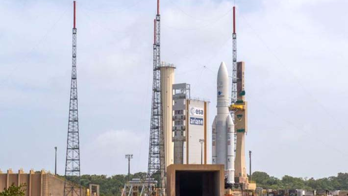 PM hails ISRO for GSAT launch
