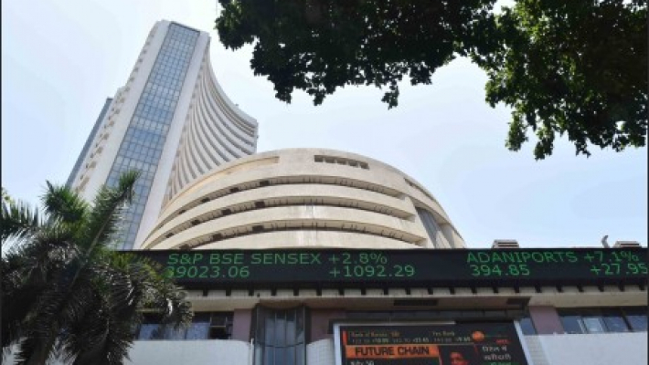 Sensex ends 163 pts up after MPC hints future rate cuts
