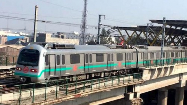 Why are you giving 'freebies', it may result in loss to metro, SC tells Delhi government