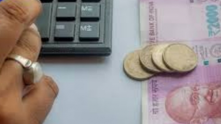 Refund 'interest on interest' charged during moratorium: RBI to banks