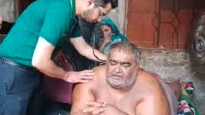 Pak's heaviest man dies after left unattended in ICU due to commotion