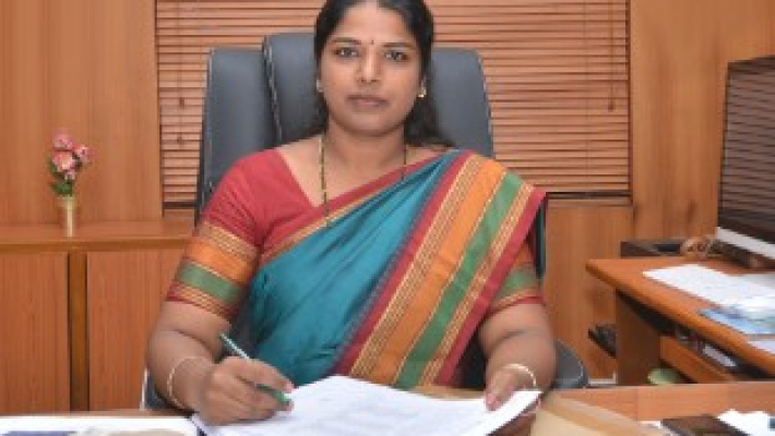 Tirunelveli Collector sets precedent by sending daughter to Anganwadi