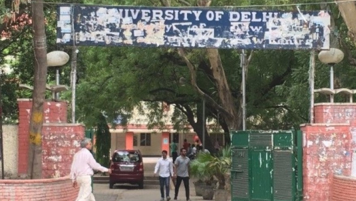 Delhi HC seeks Centre, DU's stand on plea challenging varsity's new admission norms
