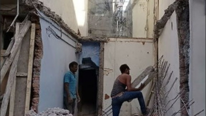 80-year-old house collapses in Rajbada area of Indore