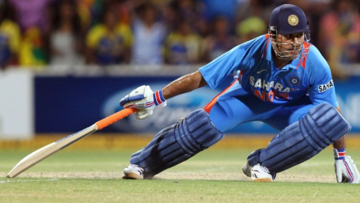 It was bizarre, unbelievable; Dhoni set wrong example: Former cricketers