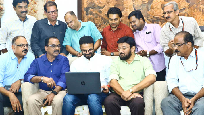 Jayasurya launches revamped English web edition of 'Metrovaartha'