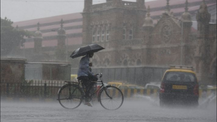 Orange alert for Mumbai, coastal districts, yellow for others