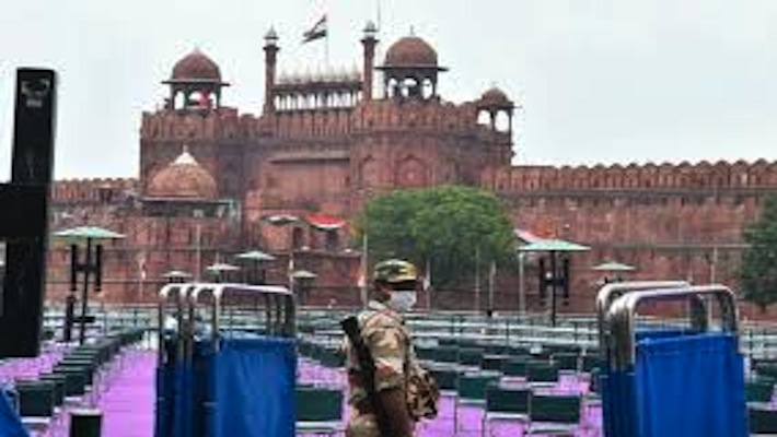 Over 4,000 invited for Red Fort I-Day event: Defence Ministry