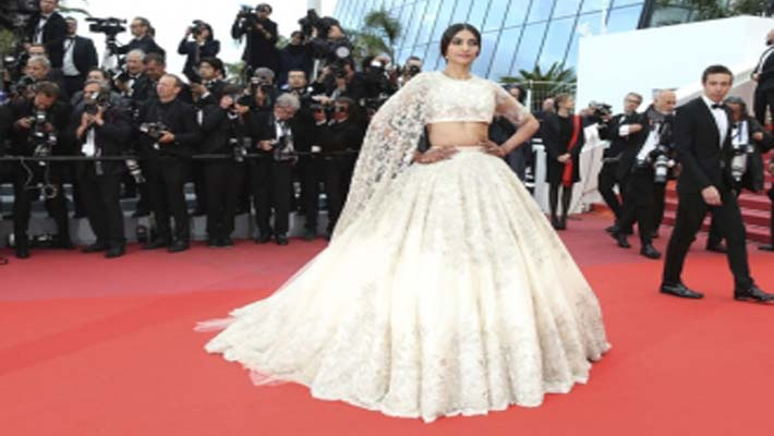 Sonam Kapoor channels her inner bride at Cannes