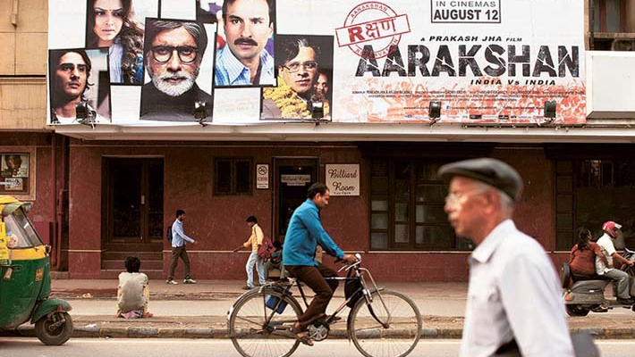 Pak launches crackdown on sale of Indian film CDs