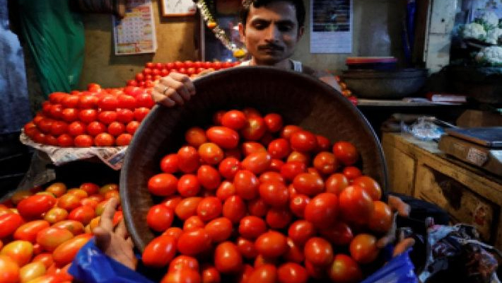 Maharashtra Congress leader blames news channel for fall in tomato prices