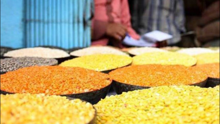 Centre asks states to curb hoarding of pulses; collect stock details from traders, importers, millers