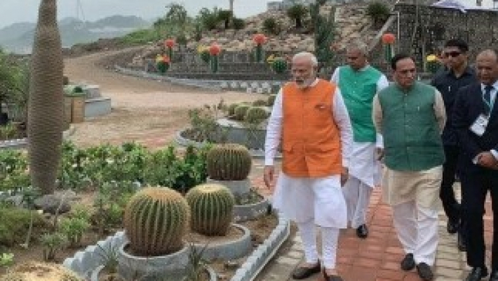 Pictorial biography to chronicle Modi's journey