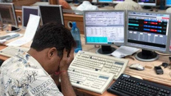 Sensex crashes 1,069 pts as investors give thumbs down to economic stimulus