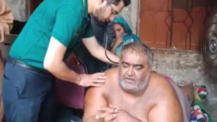 Pakistan's 'heaviest' man shifted to hospital for treatment