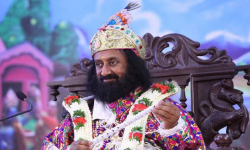 Conflicts due to communication breakdown, trust deficit: Sri Sri Ravi Shankar