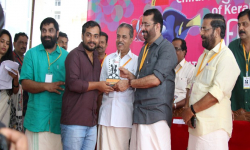 Metro vaartha wins media award at ICFFK of Kerala