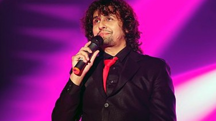 Sonu Nigam wins 21st Century Icon Award in UK