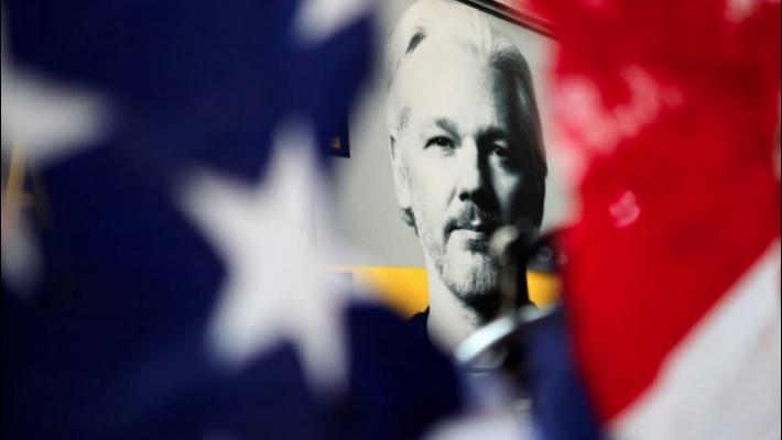 Expert says Assange a suicide risk if extradited to the US