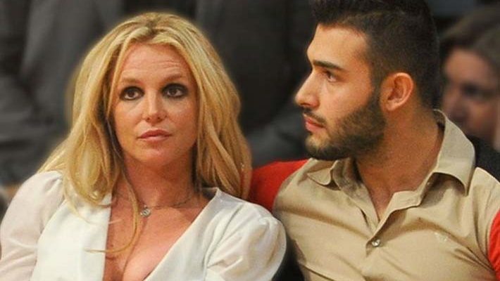 Britney Spears' fans demand her release from psychiatric facility