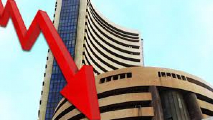 Sensex drops over 100 pts; bank stocks drag
