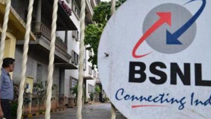 N K Premachandran  raises issue of non-payment of dues to BSNL's contractual workers
