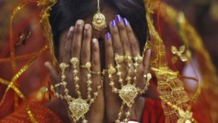Semi-arranged marriages partially replacing arranged marriages in India: UN report