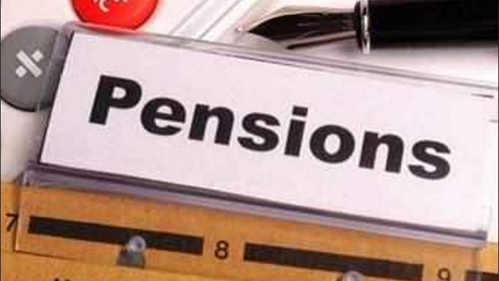 Central, state employees join 'restore old pension' campaign on Twitter