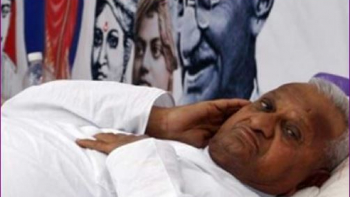 Anna Hazare loses over 5 kg on hunger strike
