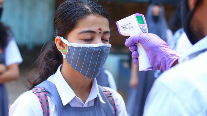COVID-19 tally in Kerala rises to 1,208, 7 Pilots and cabin crew, among 58 infected; 1.30 lakh under observation